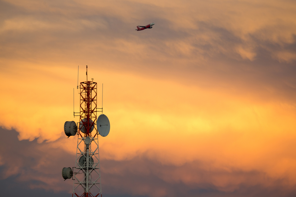 Strengthening the Ability to Leverage Commercial Flight Data with Inmarsat's SwiftBroadband-Safety